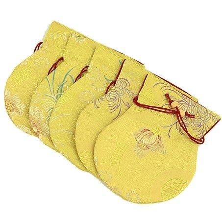Brokaattasje geel gevoerd met rood