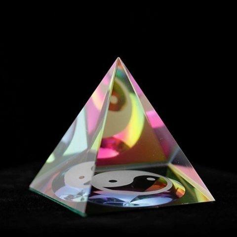 Kristal Piramide Yin Yang 6cm